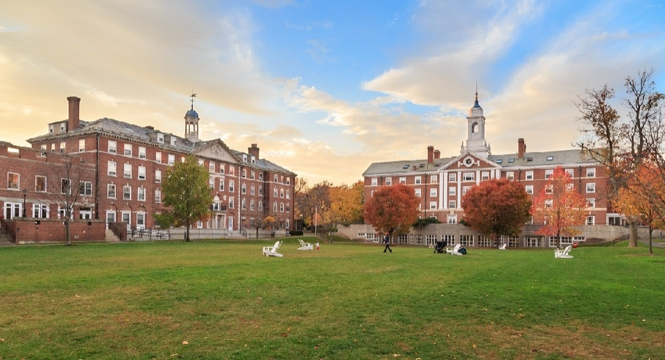 Tour Cambridge Schools with Our Wicked Smart College Package